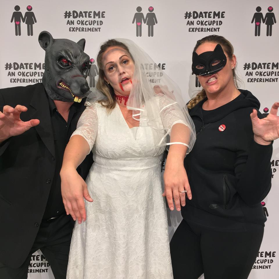Online dating halloween costume